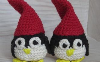 Hæklede pingviner med nissehuer